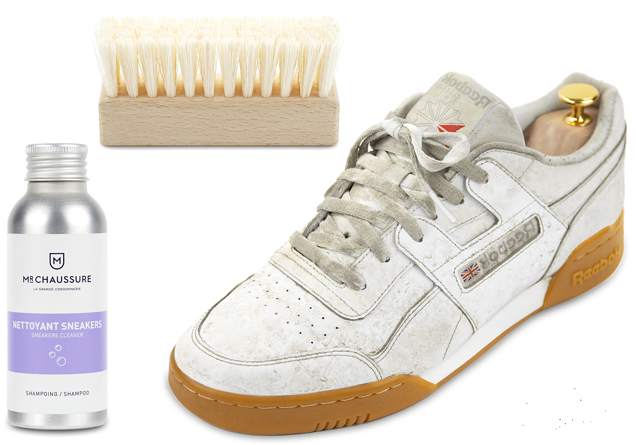 Clean the sole of the sneakers